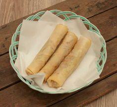 De Vietnamese loempia's zoals bij de kraam op de markt. Makkelijk en leuk om te maken. Ingevroren zijn de loempia's maanden te bewaren.