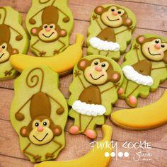 Just monkeying around! ... #funkycookiestudio #jillfcs #doorcounty #sisterbay #edibleart #cookieart #countrywalkshops #cookiesofinstagram #monkeycookies #monkeyingaround