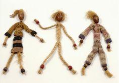 Alma Siedhoff-Buscher, Throw Dolls, 1924 Weimar Classics Foundation, Förderverein der Kunstsammlungen  shaped wood pieces, plaited bast, cro...