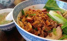 Cách làm Mì khô xá xíu sốt dầu hào đơn giản tại nhà   Món ngon mỗi ngày Vietnamese Cuisine, Vietnamese Recipes, Mi Kho Recipe, Mi Xao, Red Vinegar, Spicy Pasta, Char Siu, Drying Pasta, Oyster Sauce