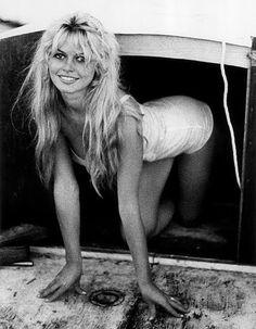 Brigitte Bardot in her hometown of Saint-Tropez in Photos by Willy Rizzo. Bridget Bardot, Brigitte Bardot, Saint Tropez, Julie Christie, Britt Ekland, Katharine Ross, Rare Historical Photos, Jean Luc Godard, Photoshop