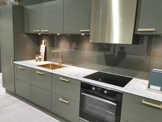 AUBO Trend Nordic kjøkken Interior Design Kitchen, Kitchen Decor, New Kitchen Inspiration, Ikea Kitchen Remodel, Backsplash, Kitchen Cabinets, Rustic Industrial, Farmhouse, Home Decor