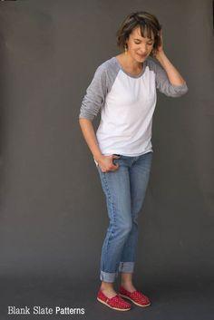 Rivage Raglan - women's raglan t-shirt, sweatshirt, and dress sewing pattern by Blank Slate Patterns. Love the high low hem on this!