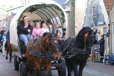 Er is een rondrit met de huifkar tijdens de kerst op Vlieland