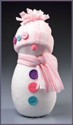 Adorable! Easy snowman made with a tube sock on CraftsnCoffee.com.