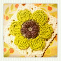 6-petal flower & crocheting a square onto the back of a motif