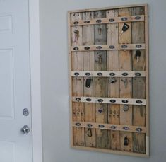 Reclaimed Wood Pallet Hotel Key Rack …