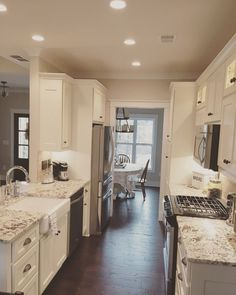 https://i.pinimg.com/236x/40/22/38/4022384b07bd150d0020fe30728a42c1--galley-kitchen-redo-kitchen-walls.jpg