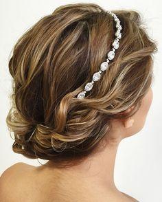 updo wedding hairstyle for short hair #weddinghair #hairstyles #bridalhair