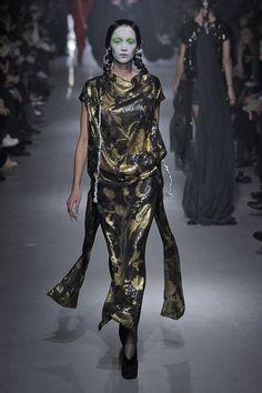Vivienne Westwood Vivienne Westwood, Image Mode, Moda Paris, Catwalk, Night Out, Ideias Fashion, Goth, Boutique, Lady