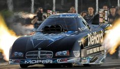 Motor'n News | BATTLE BETWEEN MATT HAGAN AND JOHN FORCE FOR FUNNY CAR WORLD CHAMPIONSHIP COULD BE ONE FOR THE AGES AT 50TH ANNUAL AUTO CLUB NHRA FINALS