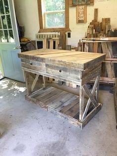 Come discover the rugged character and appeal of rustic kitchen island ideas in this article, including pictures of kitchens and design ideas. Kitchen Island With Drawers, Pallet Kitchen Island, Rustic Kitchen Cabinets, Primitive Kitchen, Kitchen Furniture, Kitchen Decor, Kitchen Design, Kitchen Ideas, Kitchen Artwork