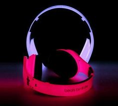 I found 'Glow in the dark Beats by Dr.Dre' on Wish, check it out! WOW!