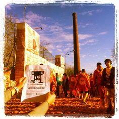 Battaglia delle arance in piazza Freguglia al #Carnevale di #Ivrea con i cattivissimi Diavoli? #verdiishere #foundverdi @#VerdiMuseum