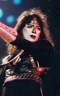 80s Hair Metal, Hair Metal Bands, Kiss Concert, Vinnie Vincent, Eric Carr, Peter Criss, Kiss Photo, Paul Stanley, Kiss Band