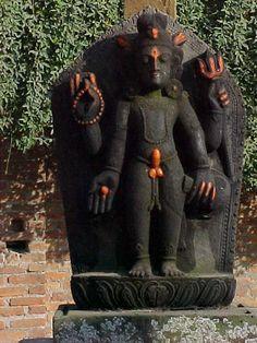 Well endowed Shiva, nepal. Shiva Tandav, Shiva Art, Hindu Art, Indiana, Indian Drawing, Kali Goddess, Indian Gods, Cute Cats And Kittens, Old Art