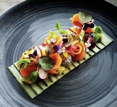 Culinary Chef, Japanese Food, Japanese Recipes, Salmon Salad, Smoked Salmon, Food Plating, Food Photo, Food Art, Peach