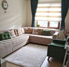 Z Living Room Decor Furniture, Living Room Sofa Design, Bedroom Decor, Small Apartment Interior, Modern Sofa Designs, Family Room, Chesterfield, Interior Design, House Styles
