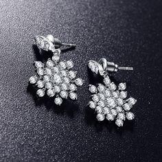 2016 Fashion Romantic Women Earrings Real Platinum Plt AAA Cubic Zircon Flower Shape Stud Earrings Wedding Accessories CER0047-B