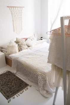 White Boho Bedroom - bright and cozy! I think this is my favorite bedroom to date!