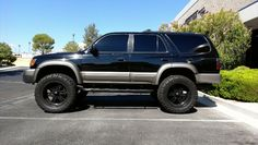 """97 Toyota 4Runner with 3"""" Suspension Lift and 2"""" Body Lift on 35s"""