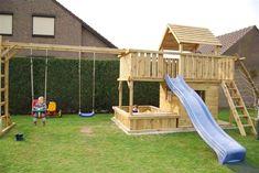 Spielturm Balkon Sandkasten mit extra große Sandkasten Backyard Swing Sets, Kids Backyard Playground, Backyard Playset, Backyard For Kids, Backyard Projects, Swing Sets For Kids, Kids Swing, Tree House Plans, Cool Tree Houses
