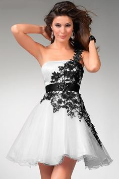 Latest Designer Short Prom Dress Ideas for Girls which could be the choice of any prom girl who wish to have a short prom dress for her prom party.