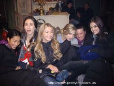 Shay Mitchell (Emily Fields), Troian Bellisario (Spencer Hastings), Sasha Pieterse (Alison Dilaurentis), Ashley Benson (Hanna Marin), Lucy Hale (Aria Montgomery) PLL behind the scenes