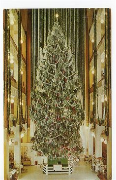 Ohio: Vintage photo of the Sterling Linder department store and Christmas tree in Cleveland