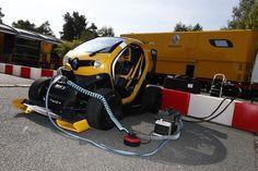 La straordinariaTwizy Renault Sport F1 mostra come Renault sia riuscita a usar un veicolo elettrico in formula 1, F1