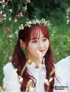 When you care for your hair your whole life changes. Good hair tells other people that you are put together. Kpop Girl Groups, Korean Girl Groups, Kpop Girls, Loona Kim Lip, Chuu Loona, Eye Circles, Olivia Hye, Sooyoung, Pop Group