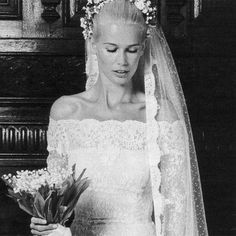 Claudia Schiffer marries Matthew Vaughn in Valentino, 2002.