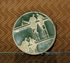 Beautiful-Brevete-Art-Deco-Enameled-Compact-Finely-Detailed-Engraved-Design