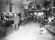 Bodega Saloon, Deadwood, Dakota Territory Circa 1879 - Keeping The Peace: Tales From The Old West Old West Saloon, Western Saloon, Wild West Era, Deadwood South Dakota, Old West Photos, Weird Vintage, West Town, American Frontier, Le Far West