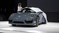 Manufacturers start the new car year in Detroit. Porsche too is presenting another highlight of its product portfolio at the Auto Show. The top models of t