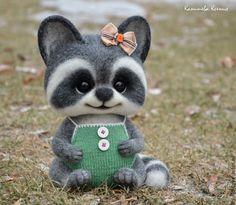 Купить Енни - тёмно-серый, енот, енотик, еноты, игрушка из шерсти, игрушка ручной работы
