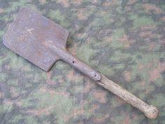 Original German WWII Flat Shovel (Spaten) Damaged