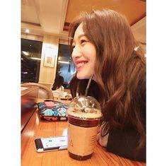 #김재경 #재경 #JaeKyung #레인보우 #Rainbow 170408 JaeKyung's Instagram UPDATE Seungri, Girl Bands, Famous People, Angels, Rainbow, Asian, Actresses, Instagram Posts, Rain Bow