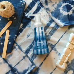 like what you see? it's called shibori and we wrote a step-by-step blog post so you can make your own pillowcases, dish towels + even a t-shirt to match our sea spray hand wash. just click the image for full details. #methodlovesRA