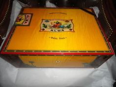 Elie-Bleu-Flor-de-Alba-Gold-Yellow-Humidor-300-Ct-new-in-the-original-box