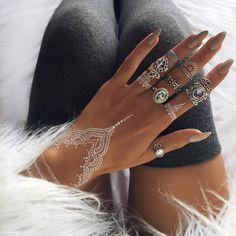 Henna Tattoos Mehendi Mehndi Design Ideas and Tips Henna Tattoo Designs, Henna Tattoos, Mehndi Designs, White Henna Tattoo, Henna Mehndi, Henna Art, Temporary Tattoos, Tribal Tattoos, Henna Designs White