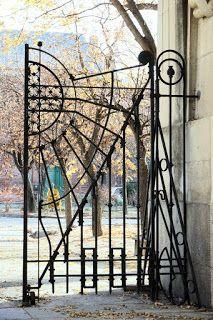 CEMENTERIO DEL ESTE  Av. Daroca, / Av. de las Trece Rosas. Madrid (España)