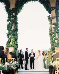 196 отметок «Нравится», 32 комментариев — WEDDING PHOTOGRAPHERS IN ITALY (@kirandiraphotography) в Instagram: «Kaitlin & Lucas' dreamy ceremony at the Villa del Balbianello 💕 planner @lauradovaweddings  photo…» Photographers, Villa, Italy, Crown, Wedding, Instagram, Valentines Day Weddings, Italia, Corona