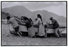 Beaching a fishing boat, Karpathos, Greece, 1964 - Greek America Foundation; Photograph by Constantine Manos, Magnum Photographer Still Photography, History Of Photography, Street Photography, Magnum Photos, Costa, Karpathos Greece, Greece Pictures, Photographer Portfolio, Art Institute Of Chicago