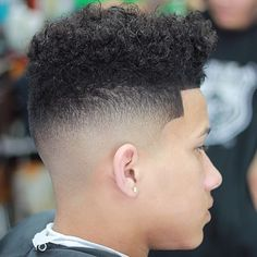 Haircut by jncuts http://ift.tt/24RVwwK #menshair #menshairstyles #menshaircuts #hairstylesformen #coolhaircuts #coolhairstyles #haircuts #hairstyles #barbers