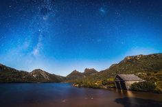 Stunning shot of Dove Lake and Cradle Mountain at night under the Milky Way. Image sent in by Fillipo on IG: https://instagram.com/p/BHS2FDfBhbL/