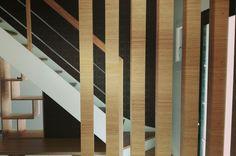 #Hall d'entrée escalier #Agencement #contemporain #bois