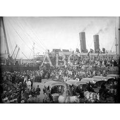 LLEGADA DE HERIDOS A VALENCIA. ASPECTO DEL PUERTO A LA LLEGADA DE UN VAPOR QUE CONDUCÍA HERIDOS DE MELILLA. FOTO: A. GARCÍA -1909FECHA APROXIMADA: Descarga y compra fotografías históricas en | abcfoto.abc.es
