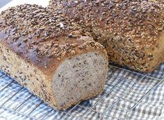 Er du glad i godt hjemmebakt brød? Da kommer du til å elske disse brødene! Norwegian Food, Norwegian Recipes, Our Daily Bread, Croissants, Bread Recipes, Banana Bread, Goodies, Rolls, Food And Drink