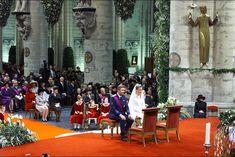 """Le roi des Belges Philippe et son épouse la reine Mathilde ont célébré vendredi 4 décembre leur 16 ans de mariage. A l'occasion de ces """"noces de saphir"""", le Royal Blog de Paris Match revient en photos sur la cérémonie."""